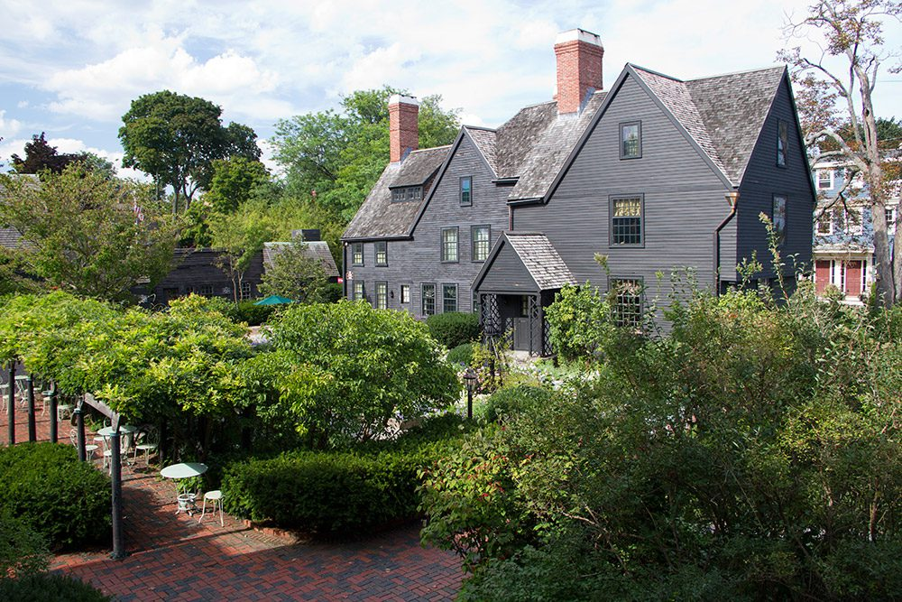 an overview of the house of the seven gables Summary — chapter 19: alice's posies  pyncheon street, which runs in front of the house of the seven gables, is beautiful and abounds with vegetables growing in the neighbors' gardens and the leaves of the great pyncheon elm whispering in the wind.