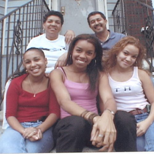 Photo of a Dominican family with three daughters